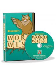 Green software box with an image of an owl on a branch and the product name underneath. Leaning against the box is a CD.